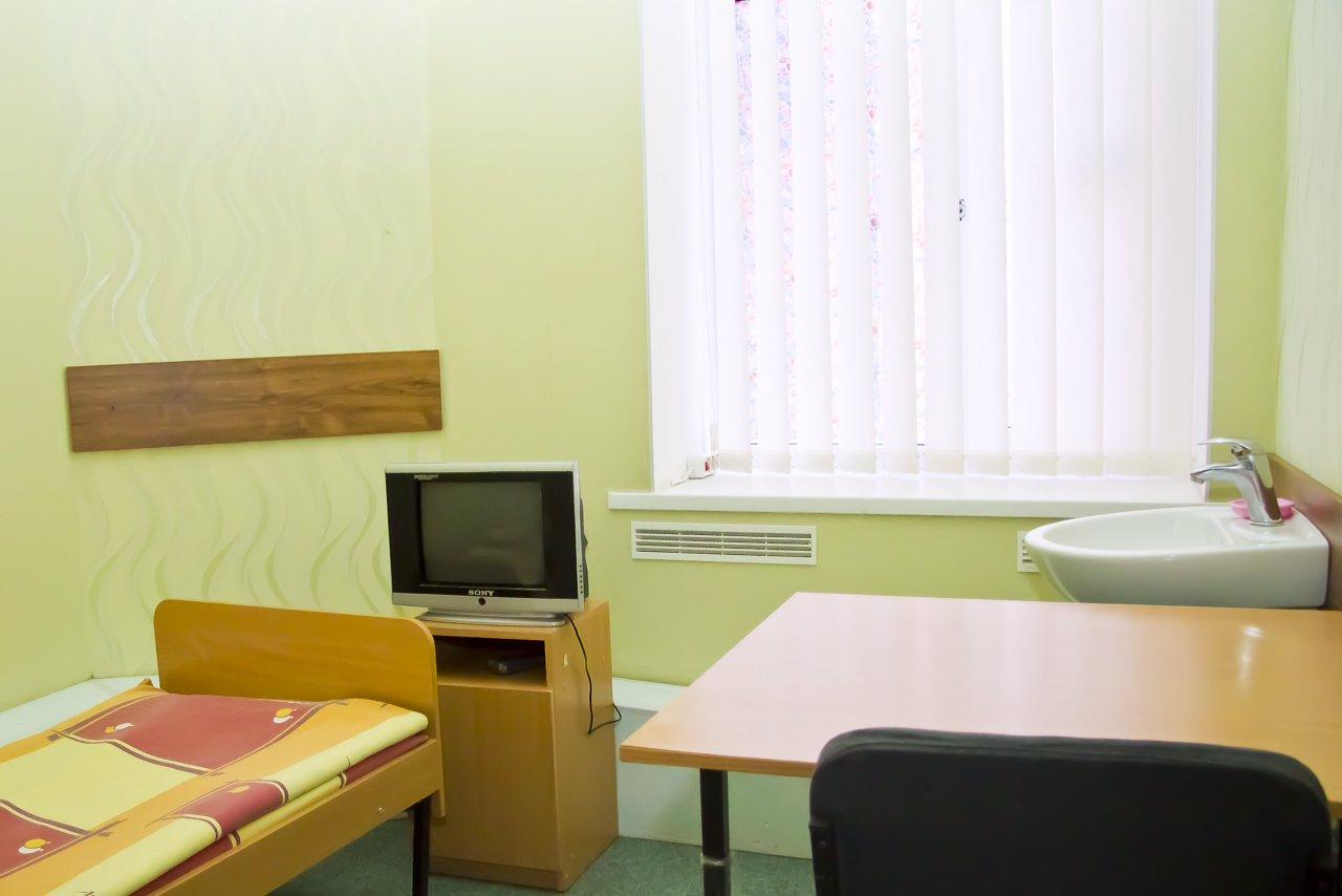 Наркологічний центр у Львові - спальня